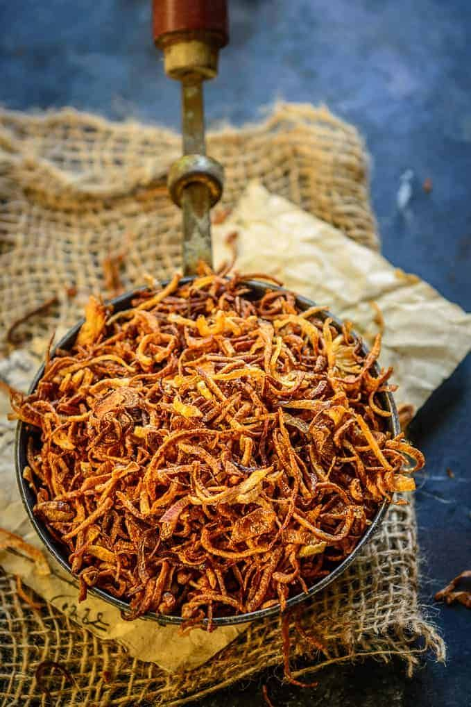 Crispy Fried Onion (Birista Recipe) Step by Step + Video - Whiskaffair