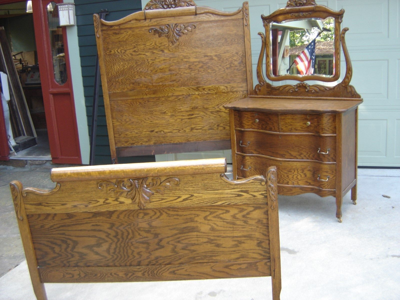 Antique 1 4 Sawn Oak Tall Bed W Matching Dresser Lied Carving 8880