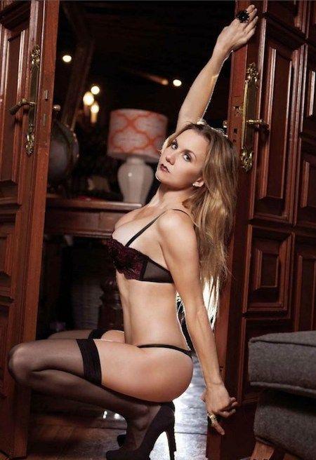 Hot pornstar sexy hips pics