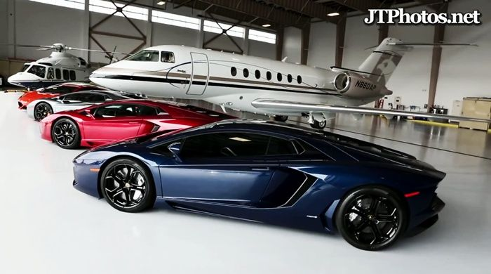 video: Awesome Combo of Aventadors