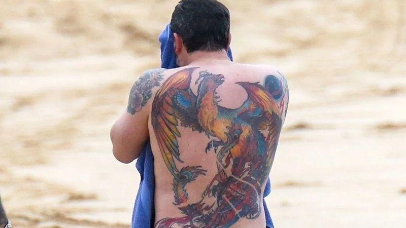 Ben Affleck S Back Tattoo Affleck Tattoo Benaffleck Ben Affleck Tattoo Ben Affleck Back Tattoo