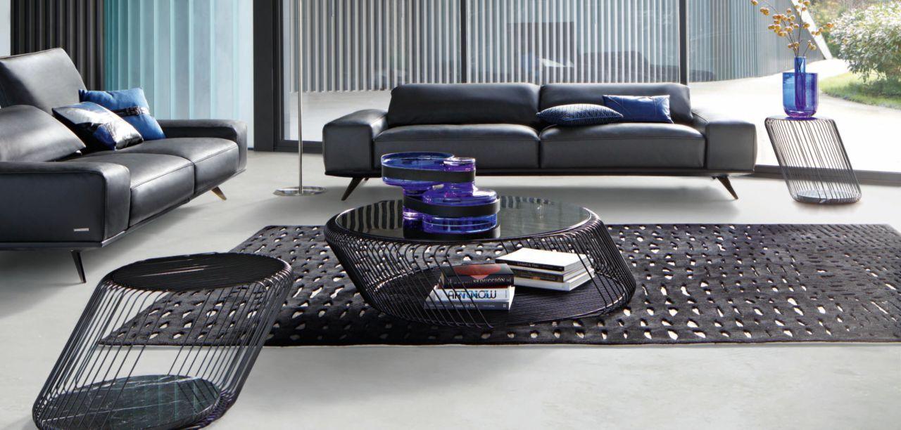 table basse en fil d'acier laqué époxy noir, plateau verre fumé, Möbel