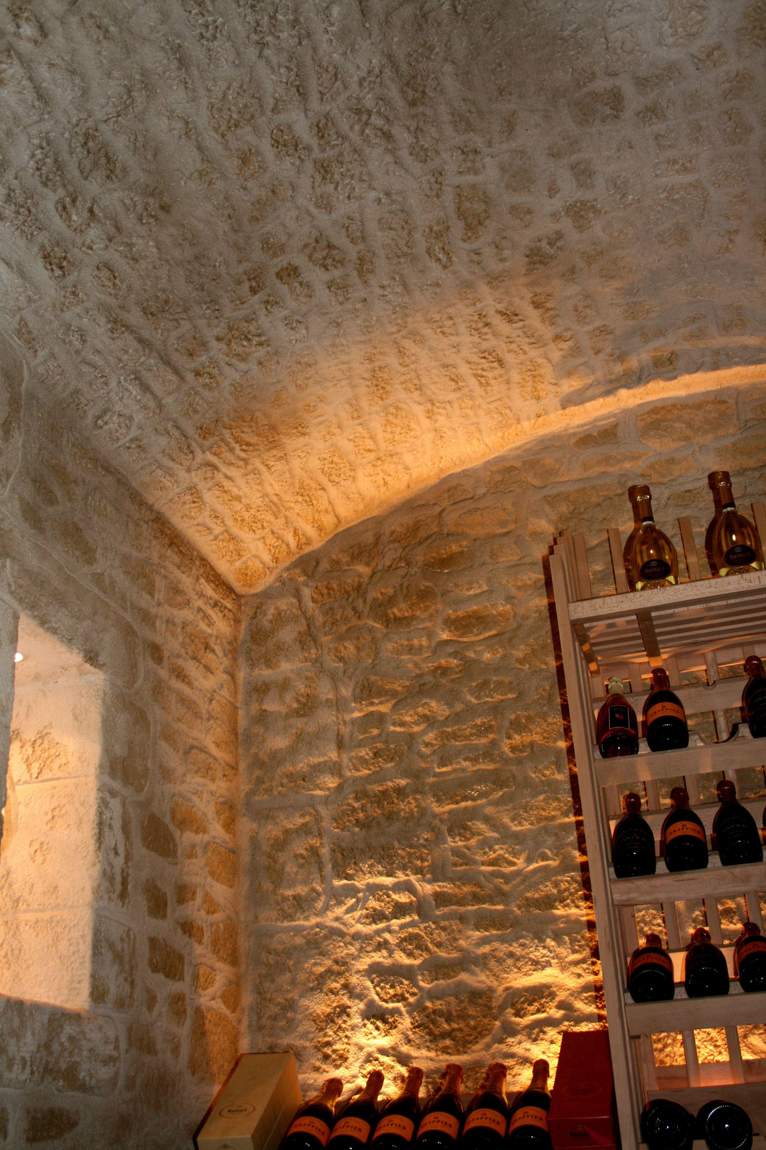 Lenduit Imitation Pierre Decopierre Donne Du Cachet Votre Cave Vin