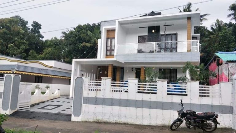 1450 Sq Ft 3bhk Colonial Style Single Floor House And Free Plan 19 Lacks Home Pictures In 2020 Home Pictures Colonial Style Kerala Houses