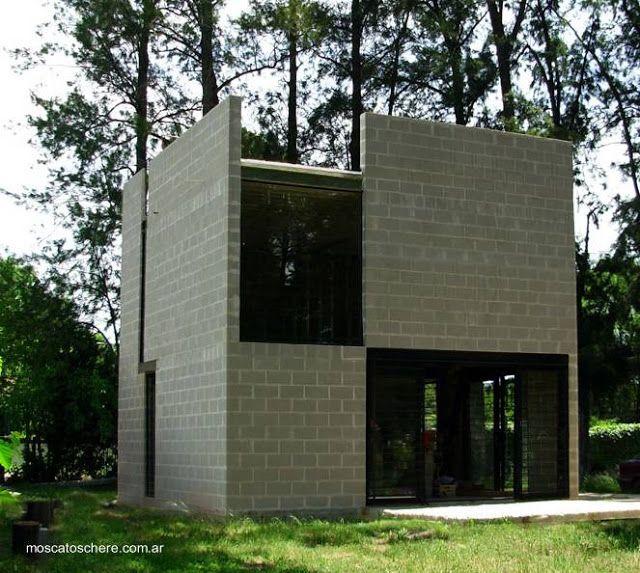 Concrete cube house peque a vivienda con forma de cubo for Arquitectura casas pequenas