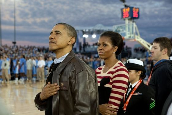 Sorry those loyal the Obama and Michelle....this is just wrong...how much of a strain would it have taken for Michelle to place her right hand over her heart??  None...a picture is worth a thousand words...this tells it all.