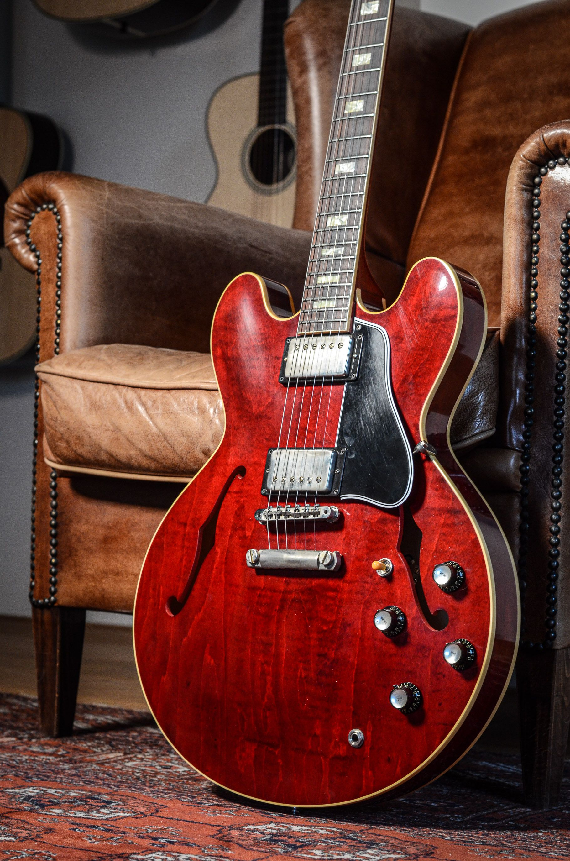 Pin By The Fellowship Of Acoustics On Gibson Es335 In 2020 Electric Guitar Guitar Vintage Electric Guitars