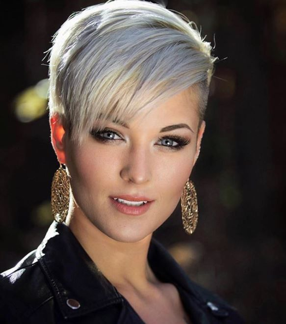 44 Pretty Grey Hairstyle Ideas For Women Cheveux courts