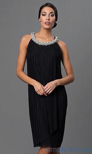 db4e139736 Pleated Knee Length Black Shift Dress