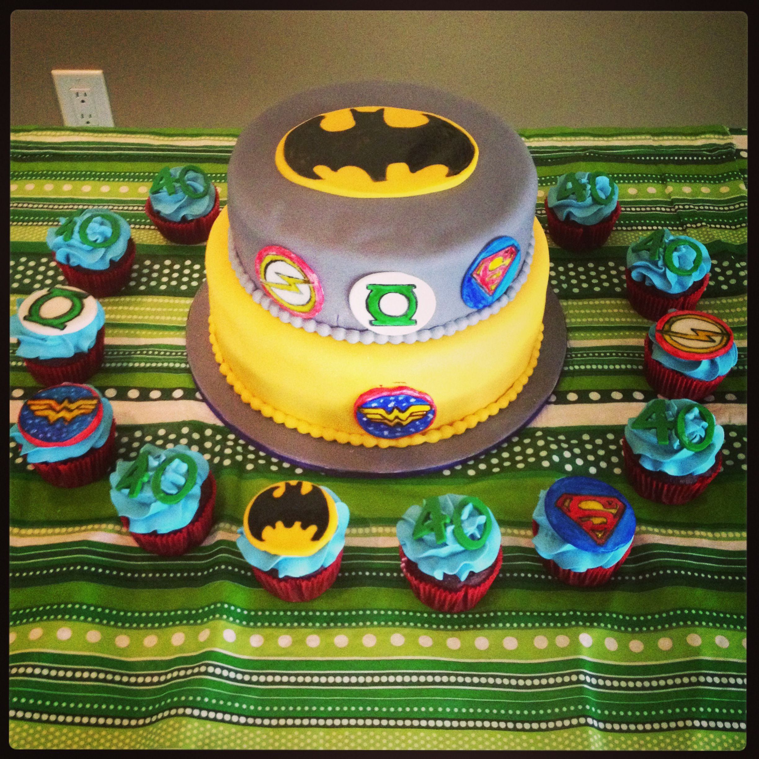 Justice League Cake And Cupcakes Justice League Cake Justice