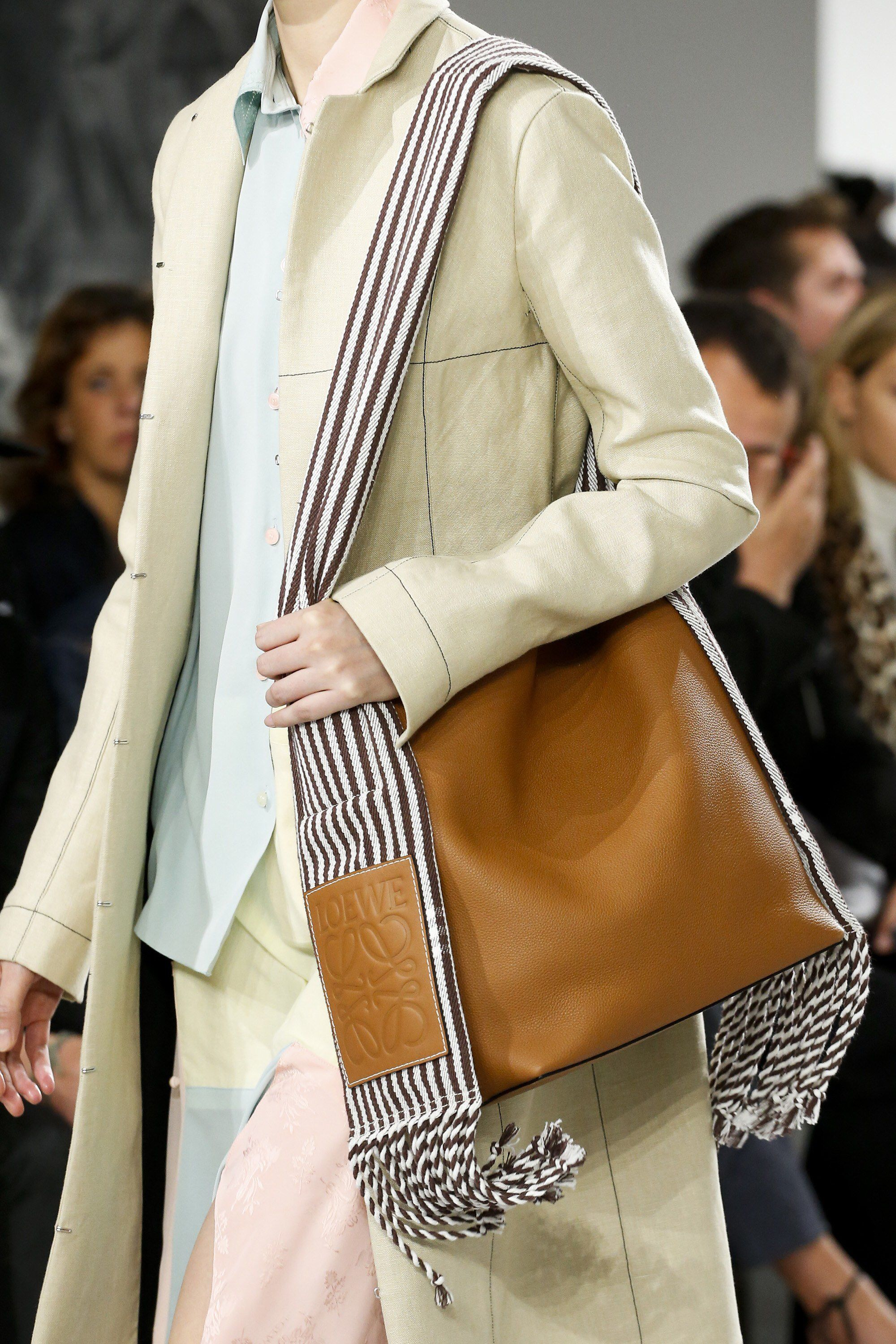 Loewe Spring 2018 Ready-to-Wear Fashion Show