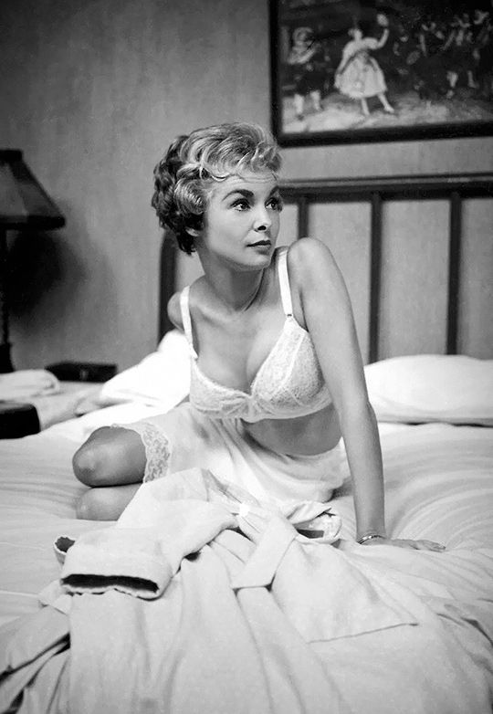 Janet Leigh on the set of Psycho.
