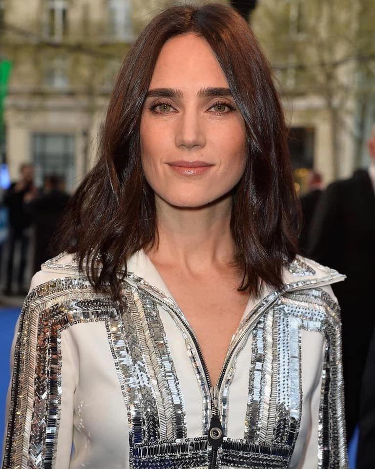 Jennifer Conelly nice dress
