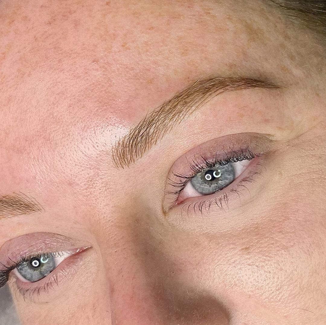 REALLY loving these hyper natural brows! This client wears minimal makeup so we created a look that matched her fresh... #naturalbrows