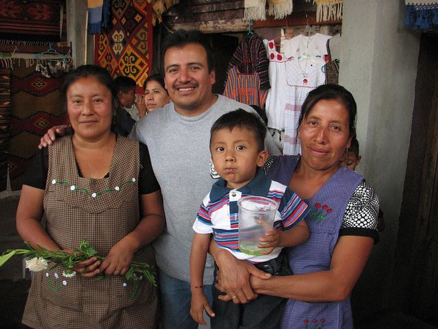 A Zapotec Family From Teotitlan Del Valle The Zapotec