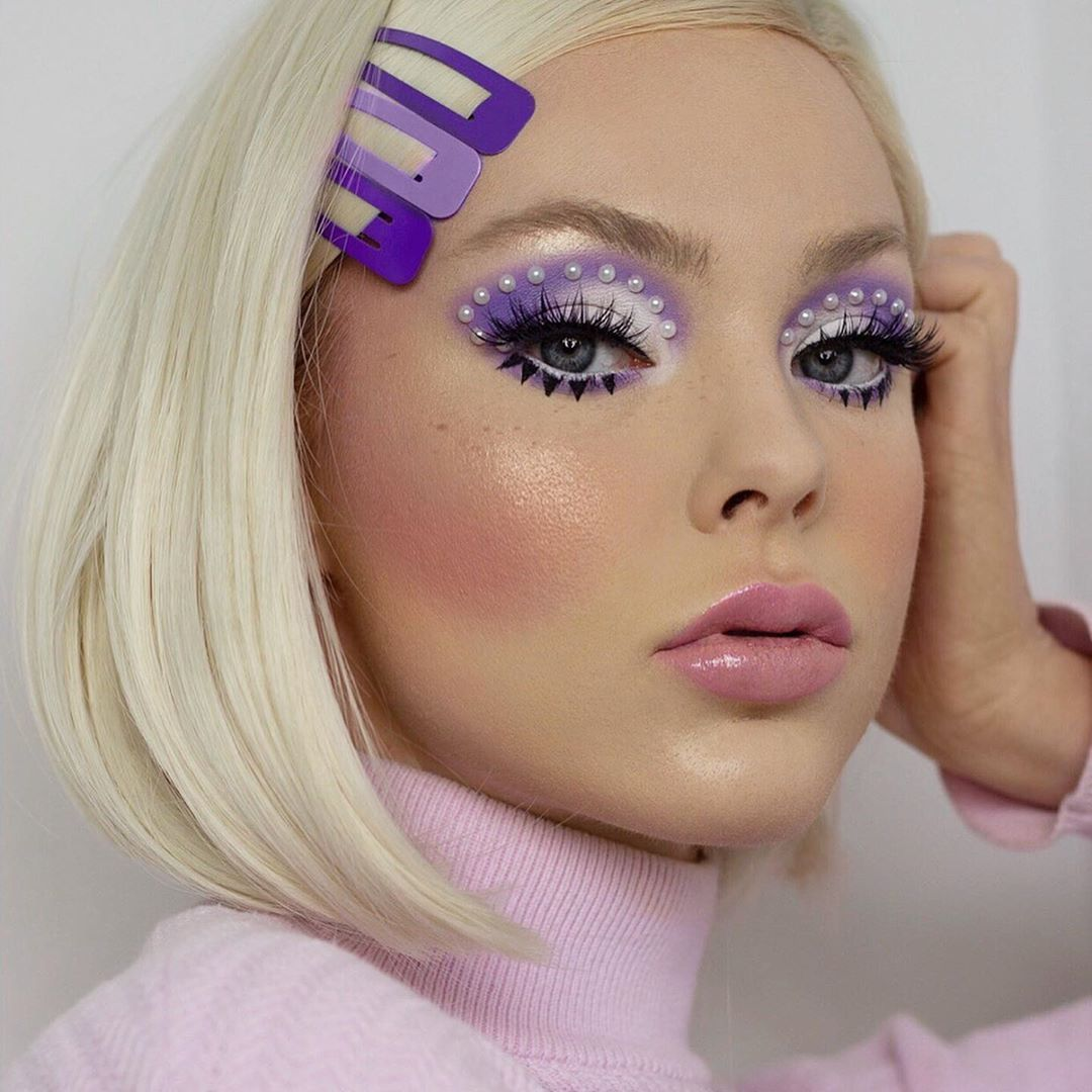 Lizzie On Instagram Pastel E Girl Swipe For My First Attempt At A Tiktok And Feel Free To Laugh At The Bad Quality Retro Makeup Purple Makeup Makeup