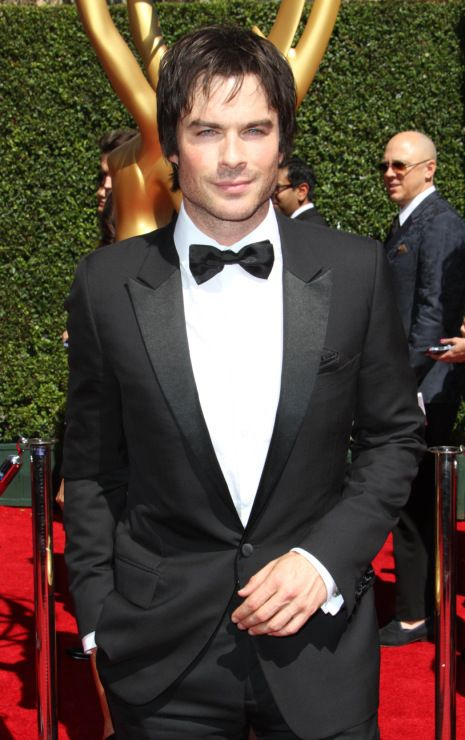 Ian Somerhalder is totally making us swoon by looking so hot on the red carpet at the 2014 Creative Arts Emmy Awards held at the Nokia Theatre L.A. Live on Saturday (August 16) in Los Angeles.