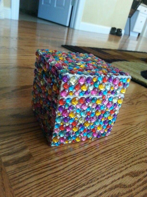 Gemstones wooden box glue gun diy piggy bank life for Piggy bank ideas diy