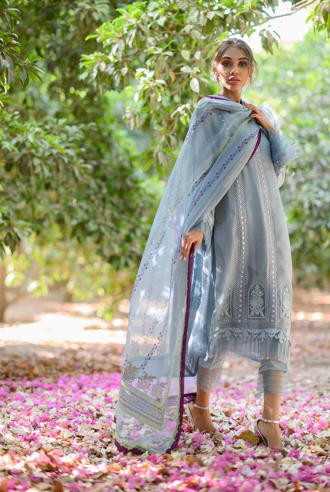 Self embroidered long shirt with pleats detail in 2021 ...
