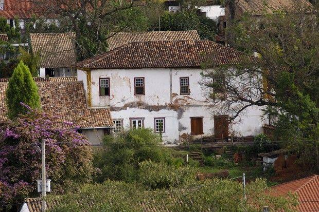 Os casarões e os telhados coloniais são a marcado charme da cidade de Tiradentes (Foto: Haroldo Castro/ÉPOCA)