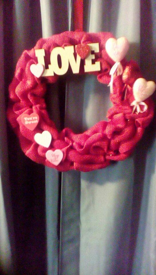 Valentine's Day Love wreath Etsy.com/shop/2HeartsAs1
