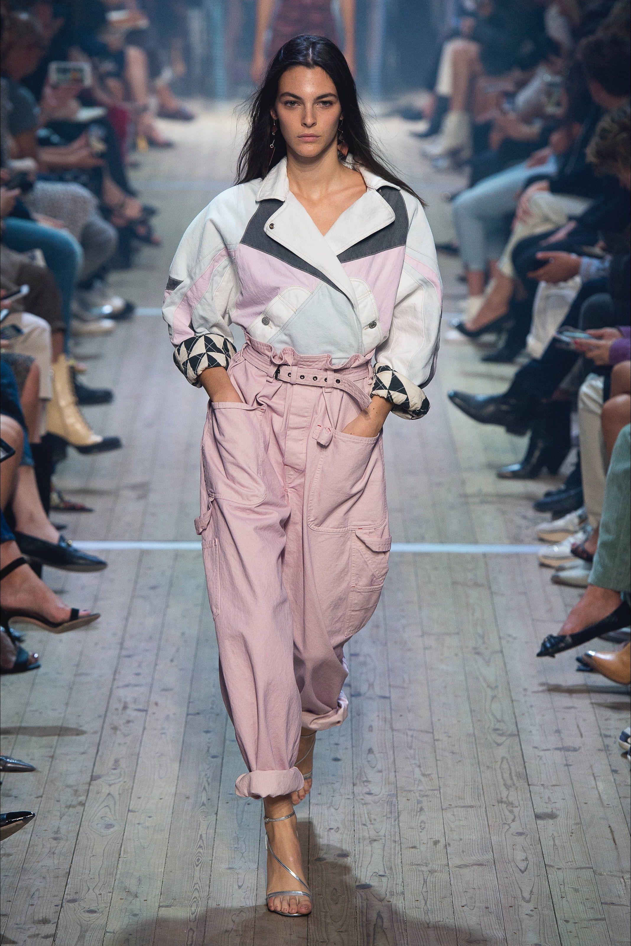 Sfilata Isabel Marant Parigi - Collezioni Primavera Estate 2019 - Vogue b9cb7f9e629
