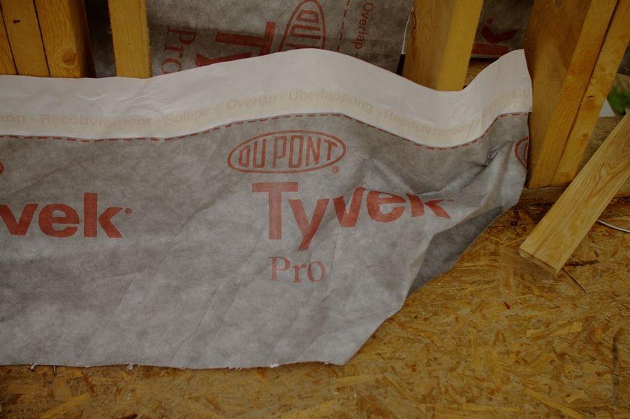 Membrane Tyvek Pro For Our Roof More At Www Pasyvus Karkasinis Com Tyvek Paper Shopping Bag Membrane