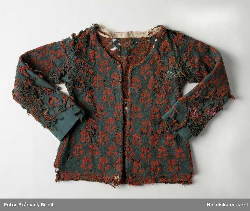 15878cd460b9 Digitalt Museum - Sliten och lappad tröja från Årstads härad, Halland,  1700-tal