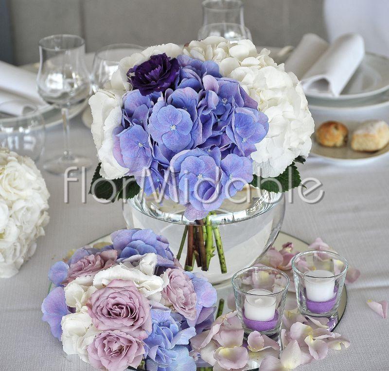 Matrimonio Tema Lilla : Centrotavola romantico con ortensie e rose sfumate di