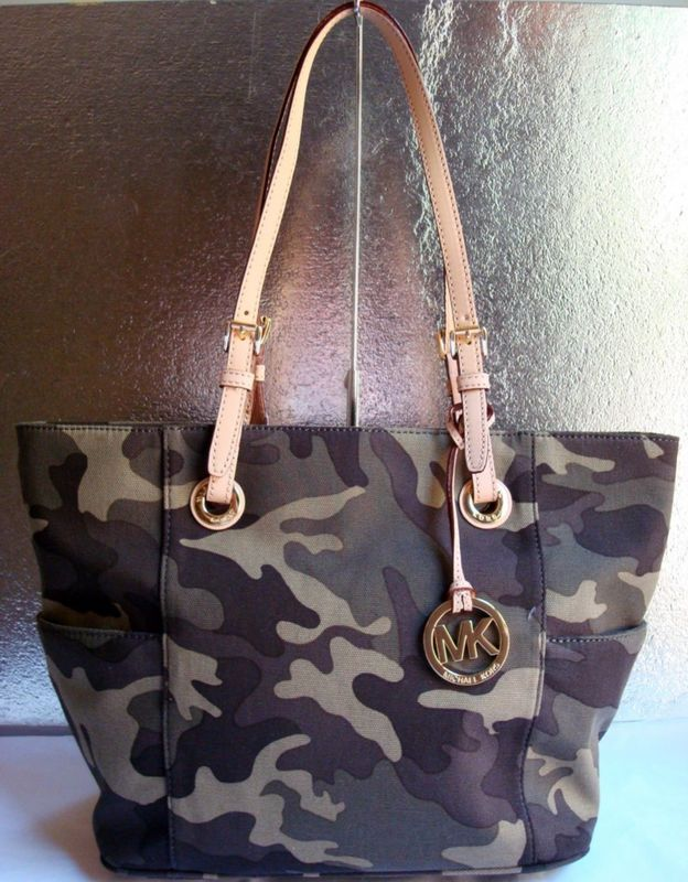Pin by Lulu Pi on Things I would wear!   Handbags michael