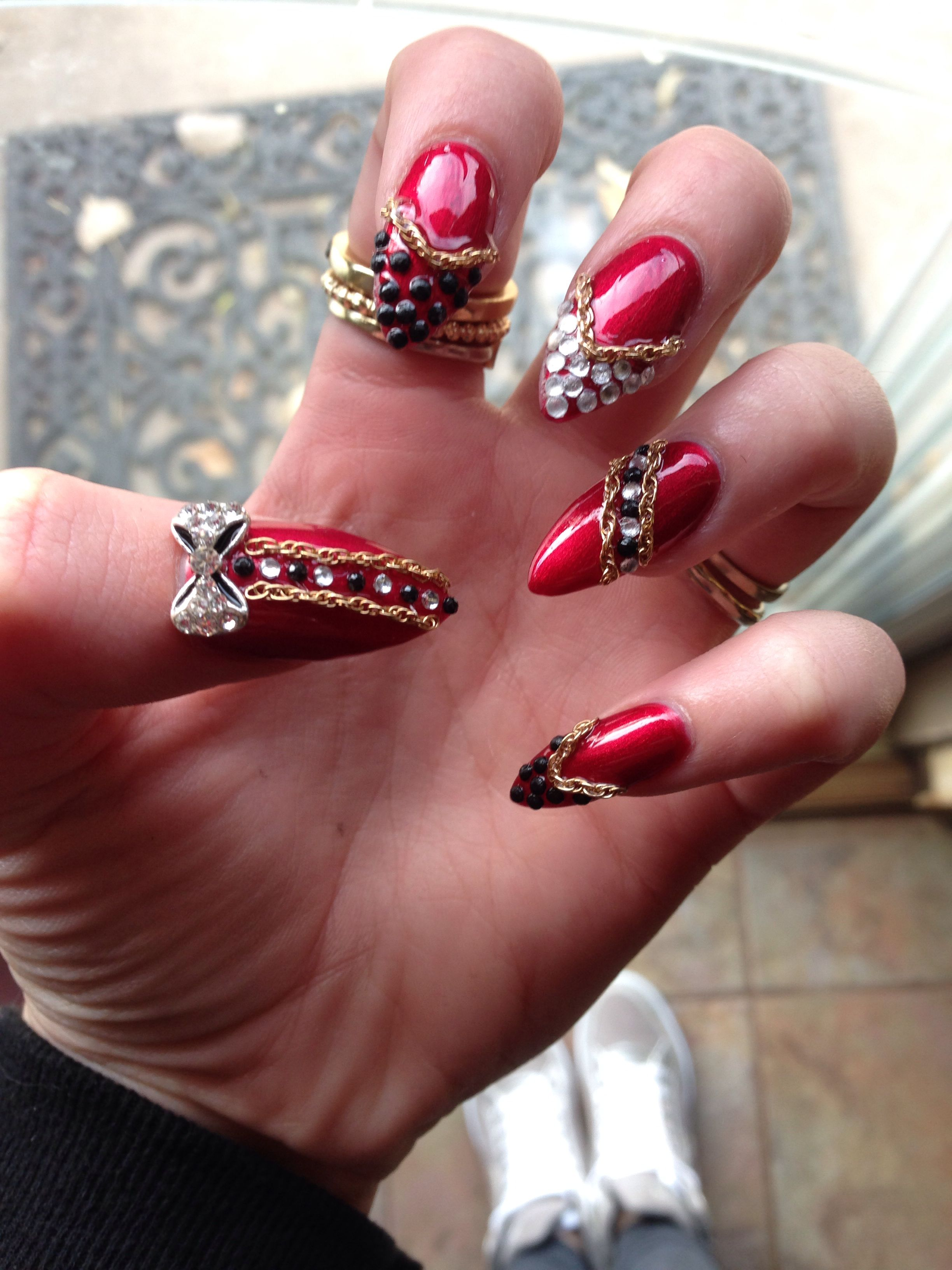 Red and gold 3d nails art pointed chains diamonds nail long | nail ...