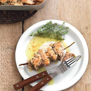 Herb marinated chicken skewers with roasted asparagus ¦ La Cucina Italiana