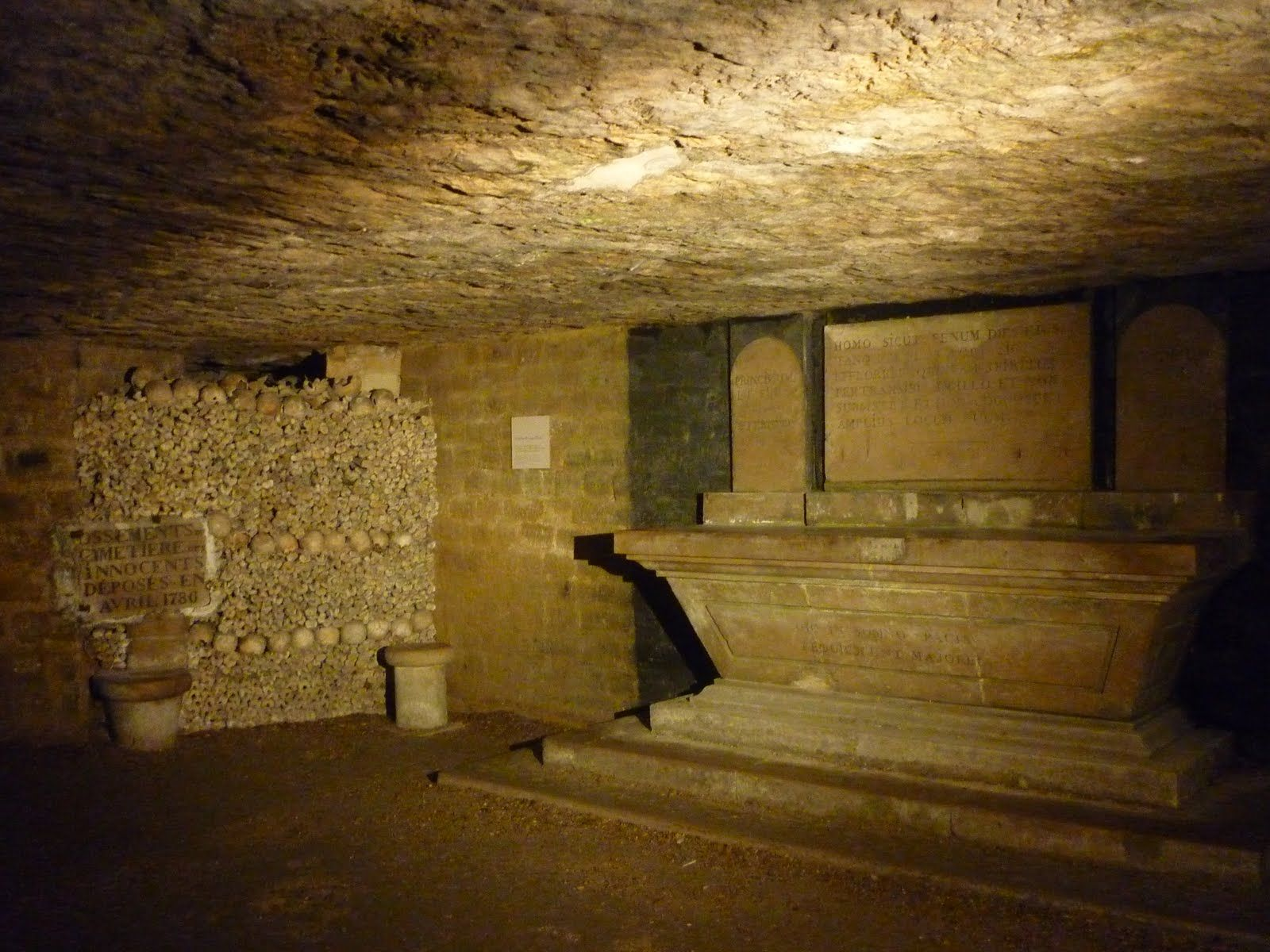 Crypte Catacombes Paris 画像あり