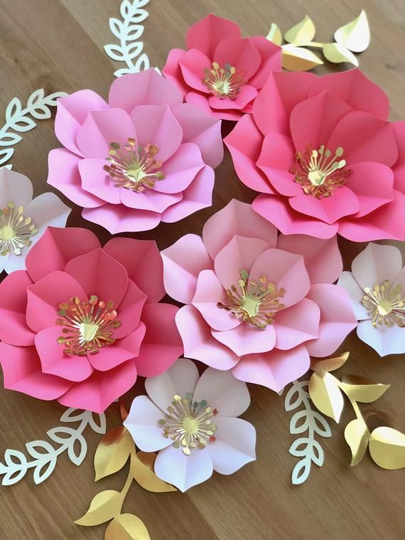 Papier Blumen Set von 5, Papierblumen für die Babypfärchen, Geburtstagsparty Decor, Baby-Dusche-Dekor, Fotokulisse Dekor