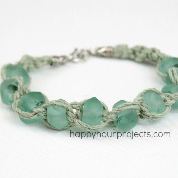 Glass Bead Macrame Bracelet at www.happyhourprojects.com made with Happy Mango Beads! #diy #jewelry