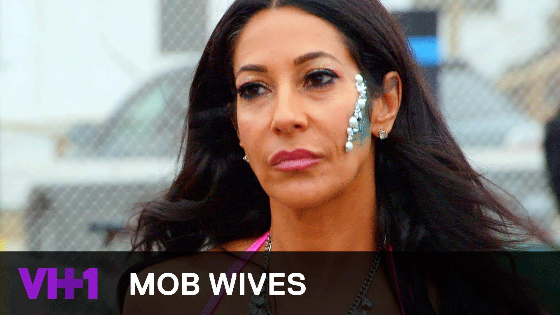 Angela Raiola Wikipedia mob wives: the last stand | love majewski apologizes to