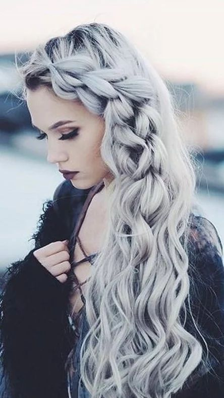This Looks Amazing Silver Hair Color Silver Hairstyles Hair Styles Long Hair Styles Braids For Long Hair