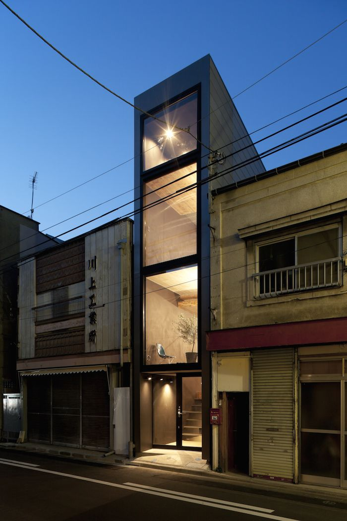 a narrow 1 8 meter wide house in japan by yuua schmale. Black Bedroom Furniture Sets. Home Design Ideas
