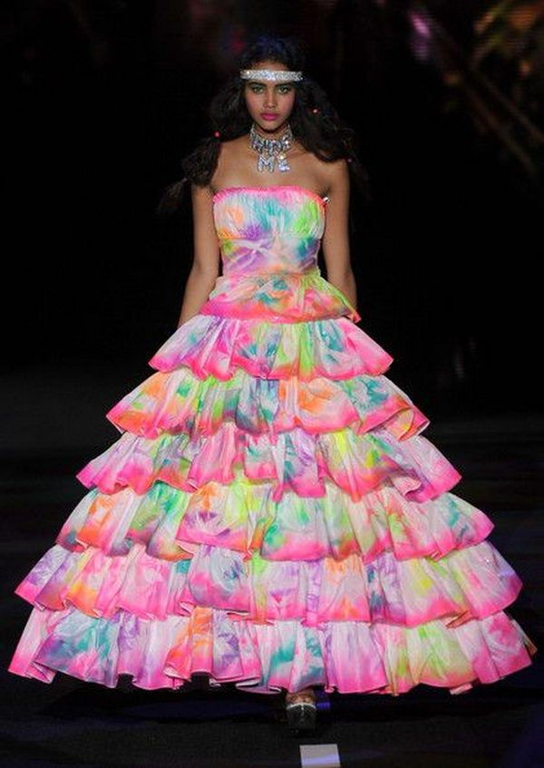 30 Gorgeous Rainbow Colored Dress Designs - Hative | Reciclable ...