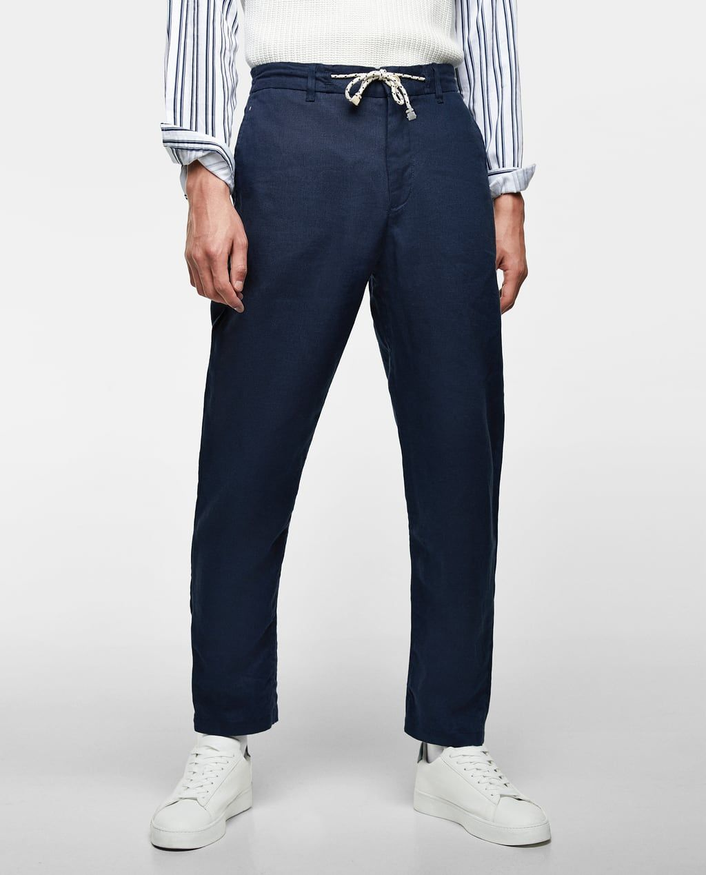 Loosefitting linen trousers available in more colours