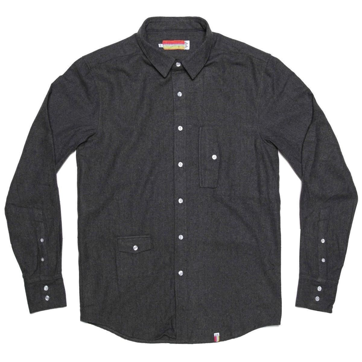 <p>Sometimes it can be hard to find men's shirts that fit you correctly. Check out these easy tips for tailoring your shirt for the perfect fit.</p><div>The method taught in this tutorial is called the 'pinch and pin.' Starting with the sleeves, you will pinch the fabric of the shirt until it's nice and tight around your arm, but you still have full range of motion. You will then pin it from the cuffs to the arm pit area.</div><div>