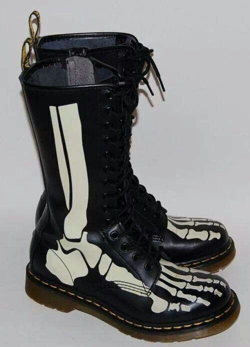 doc martens skelton boots