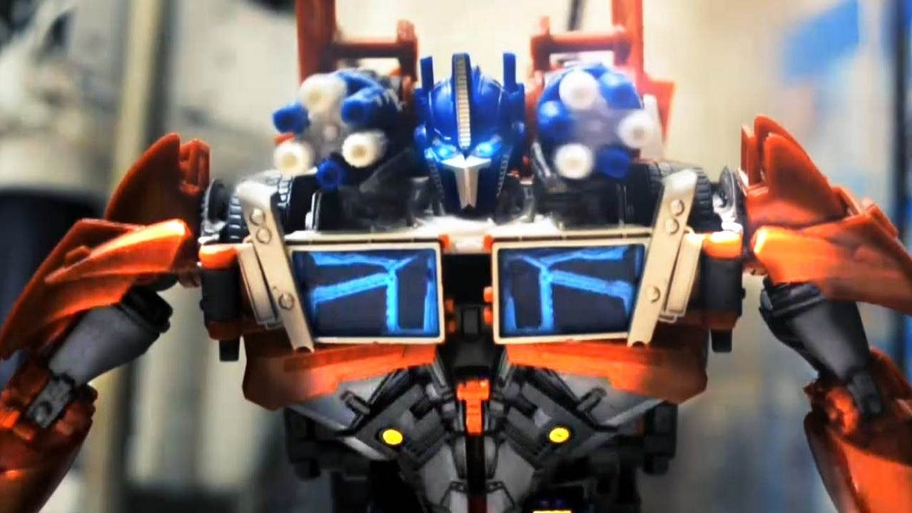 Optimus Prime v.s. Delorian v.s. Batmobile v.s. Mystery