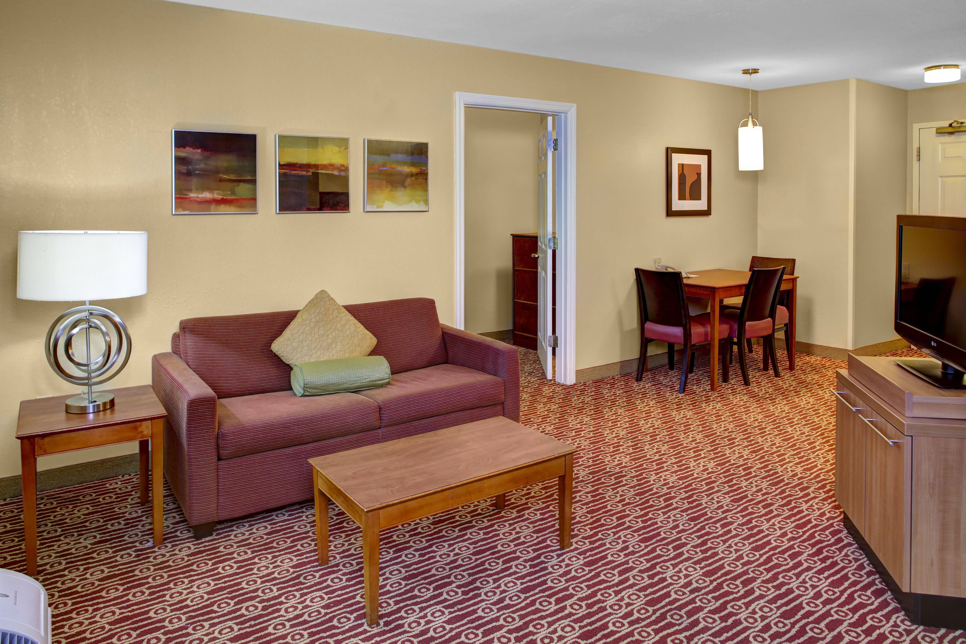 Towneplace Suites Cleveland Airport One Bedroom Suite Living Area