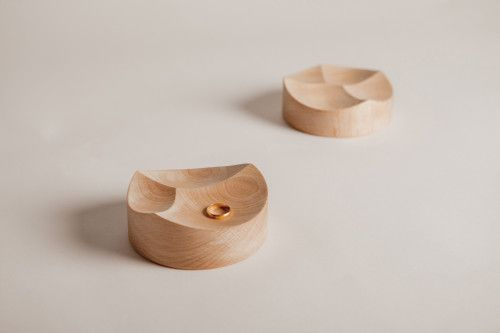 Carved is a minimalist design created by Spain-based designer Kutarq Studio. Inspired by the texture left in a yoghurt while eating it with a spoon, the Carved Bowls are a set of solid wood pin trays that combine with different sized concave areas. (5)