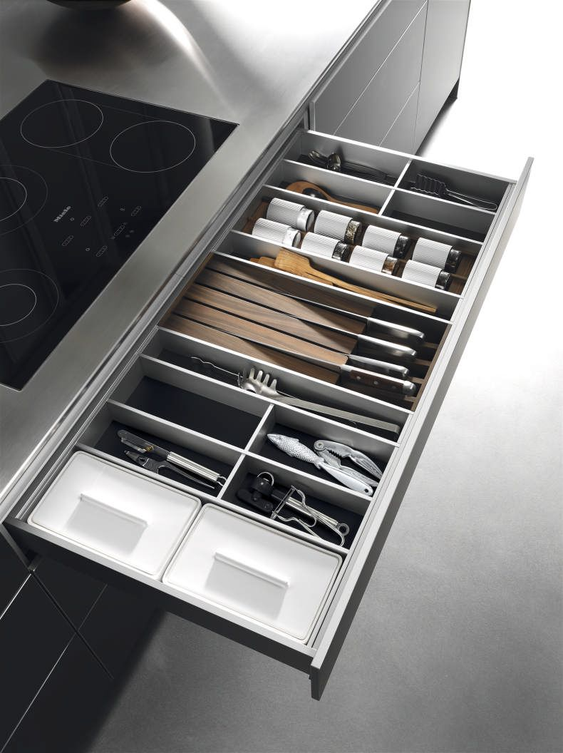 Bulthaup B3 Keuken 120 Cm Brede Aluminium Lade Met Linoleum Mat En Aluminium Indeling Gecombin Interior De Cozinha Cozinha Contemporanea Decoracao Cozinha