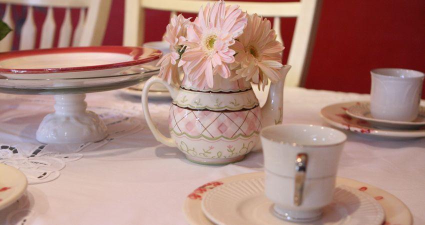 tea party flower arrangement using a tea pot
