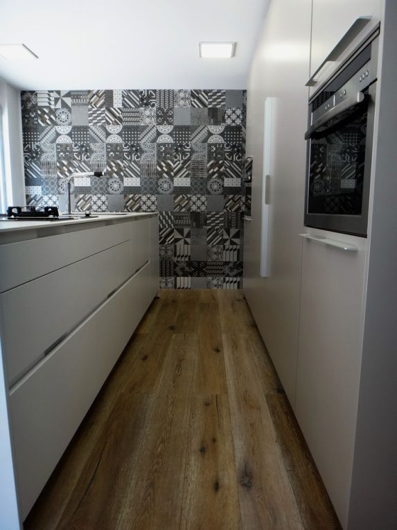 Dise os de cocinas con azulejos muy actuales cocinas con for Azulejos artesanales