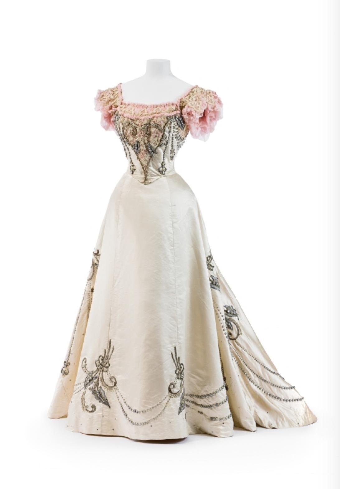 Two Piece Ball Gown, ca. 1895 Jeanne Paquin via Europeana Fashion ...