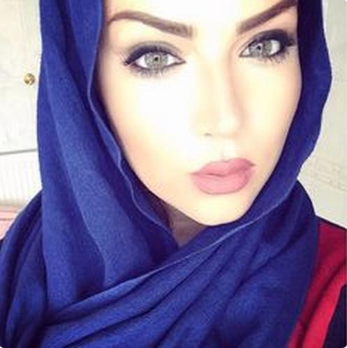 وش هالجمال البيك ياعمي أنت بلوه هم وجه هم عيون هم ضحكه حلوه سميرشهااب Beautiful Hijab Hair Beauty Gorgeous Eyes